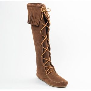 Minnetonka Lace Up Boots Sz 7